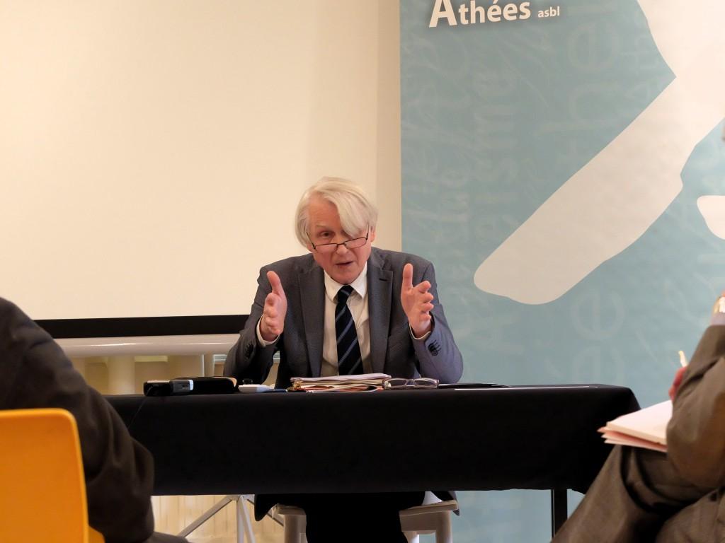 Athéisme et éthique des soins